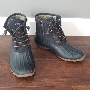 Sperry saltwater quilted duck booties black 9.5